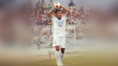 Nama Gilang Angga Kusuma sudah tidak asing lagi di telinga Bobotoh. Apa kabar pemain andalan Persib Bandung di musim 2002 hingga 2011 itu? - INDOSPORT