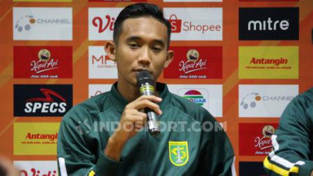 Bek Timnas Indonesia U-19, Rizky Ridho mengaku tidak menemui hambatan ketika berlatih di bawah arahan Shin Tae-yong. - INDOSPORT