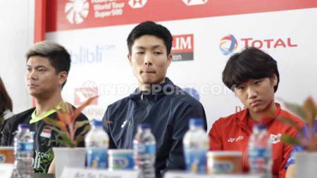 Chou Tien Chen (tengah) di konferensi pers Indonesia Masters 2020, Senin (13/01/20). - INDOSPORT