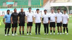 Indosport - Nova Arianto Tulis Pesan Mendalam Usai 3 Rekannya Pergi dari Timnas Indonesia.