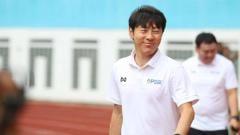 Indosport - Isu pelatih Timnas Indonesia, Shin Tae-yong, tidak digaji oleh PSSI membuat netizen Korea Selatan geram.