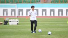 Indosport - Pelatih asal Korea Selatan, Shin Tae-yong memiliki beban berat di Timnas Indonesia hingga disorot media Singapura.