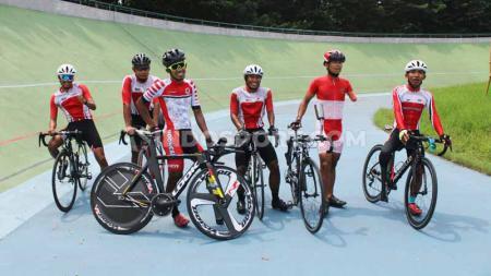 Mundurnya pelaksanaan ASEAN Para games (APG) Filipina menjadi Maret 2020 mendatang dimaksimalkan tim para cycling Indonesia untuk berlatih. - INDOSPORT