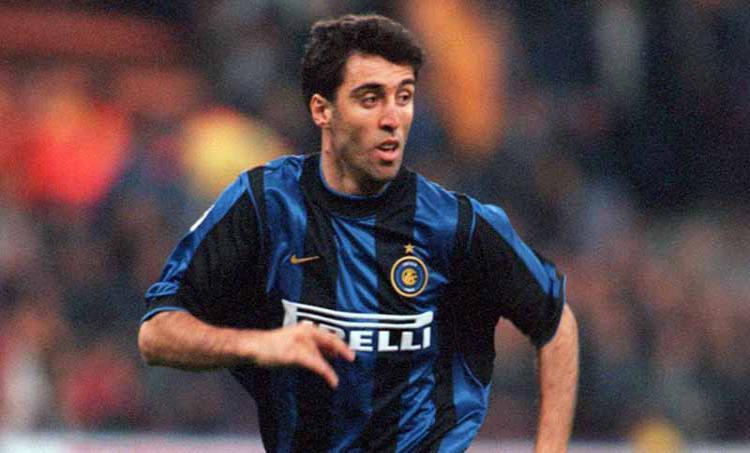 Hakan Sukur (eks Inter Milan). Copyright: Tony Marshall/EMPICS via Getty Images