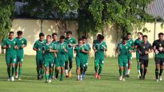 Indosport - Persebaya meliburkan para pemainnya dan mewajibkan mereka tetap berlatih mandiri di rumah masing-masing.
