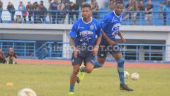 Indosport - Pelatih Persib Bandung, Robert Rene Alberts, mengapresiasi penampilan anak asuhnya pada Turnamen Asia Challenge 2020 di Stadion Shah Alam, Kuala Lumpur, Malaysia, Sabtu (18/01/20) dan Minggu (19/01/20).