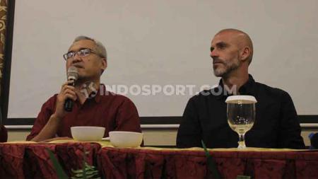 Eduardo Perez diperkenalkan sebagai pelatih baru PSS Sleman untuk Liga 1 2020. - INDOSPORT