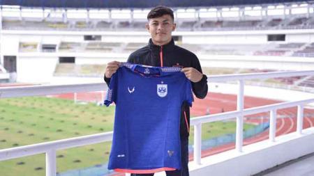 Klub Liga 1 PSIS Semarang telah resmi mendapatkan salah satu bek Timnas Indonesia U-19 yakni Alfeandra Dewangga Santosa. - INDOSPORT