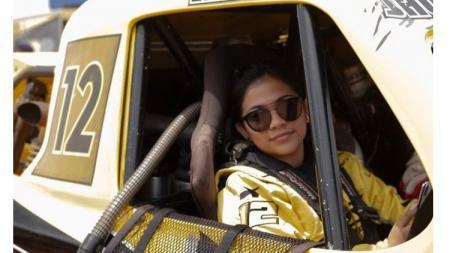 Pembalap off-road, Liana Saputri. - INDOSPORT