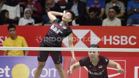 Federasi Bulutangkis Dunia (BWF) kembali membuat caption nyeleneh saat mengenang aksi smash keras dari pemain ganda putri Indonesia, Apriyani Rahayu. - INDOSPORT