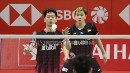 Detik-detik servis berputar Lee Yong-dae sukses buat Kevin Sanjaya terkecoh saat berhadapan di Indonesia Open 2016. - INDOSPORT