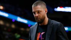 Indosport - Pebasket NBA milik Atlanta Hawks, Chandler Parsons mengalami kecelakaan mobil