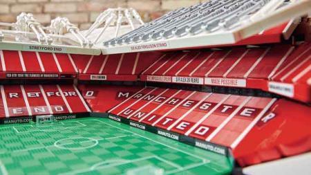 Man United Dapat Izin Berlakukan Tribun Berdiri di Old Trafford - INDOSPORT