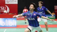 Indosport - Bermain di semifinal Badminton Asia Team Championships 2020, pebulutangkis Kevin Sanjaya kembali menampilkan aksi super tengilnya.