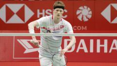 Indosport - Detik-detik Anders Antonsen Tiup Kok Agar Lewati Net di Laga vs Jonatan Christie