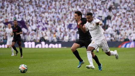 Berikut adalah 3 fakta yang terjadi setelah Real Madrid menundukkan Sevilla dengan skor 2-1 dalam duel LaLiga Spanyol di Santiago Bernabeu, Sabtu (18/01/20). - INDOSPORT
