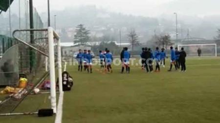 Penggawa Garuda Select II terus melakukan persiapan guna menantang Inter Milan U-17. - INDOSPORT