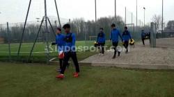 INDOSPORT berkesempatan meliput langsung latihan para pemain Garuda Select yang berada di Italia.
