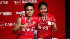Indosport - Ada momen kocak yang terjadi dalam pertandingan final Indonesia Masters 2020 yang mempertemukan pasangan Greysia Polii/Apriyani Rahayu dengan pasangan Denmark.