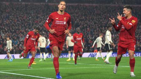Liverpool kembali meraih kemenangan saat mereka berhasil menundukkan perlawanan Manchester United dalam laga bertajuk derbi klasik Liga Inggris. - INDOSPORT