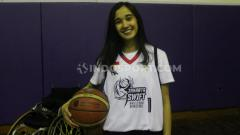 Indosport - Helena Tumbelaka, mantan atlet basket di acara Jakarta Swift Wheelchair Basketball, Minggu (20/01/20).