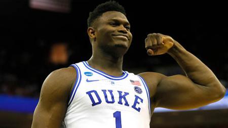 Zion Williamson saat masih bermain di Duke Blue Devils. - INDOSPORT