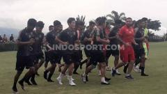 Indosport - Penggawa Arema FC tampak semakin tangguh secara fisik, setelah melahap semua porsi latihan yang disodorkan jajaran pelatih pimpinan Mario Gomez.