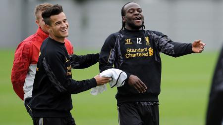 Victor Moses dan Philippe Coutinho ketika masih membela Liverpool. - INDOSPORT