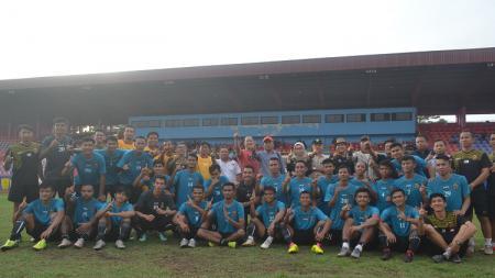 Sriwijaya FC memulai latihan perdananya menjelang Liga 2 2020 di Stadion Bumi Sriwijaya, Senin (20/1/20) sore. Sebanyak 26 pemain tampak hadir. - INDOSPORT