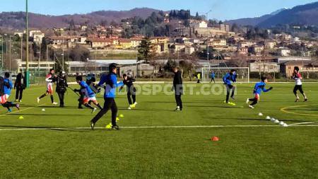 Skuat Garuda Select yang berada di Italia tengah berlatih jelang laga uji coba kontra Inter Milan U-17, yang akan berlangsung Rabu (22/01/20). - INDOSPORT