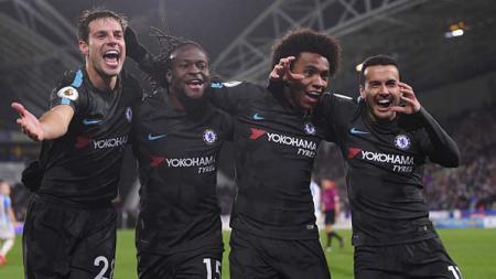 Bintang Chelsea, Victor Moses, tertangkap kamera tengah menikmati makan malam bersama skuat Inter Milan sekaligus memastikan kepindahannya secara resmi - INDOSPORT