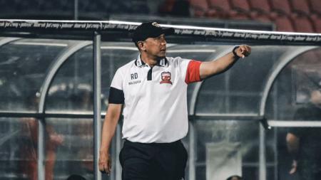 Kepala pelatih Madura United Rahmad Darmawan. - INDOSPORT