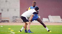 Pemain Bhayangkara FC, Guy-Herve saat latihan.