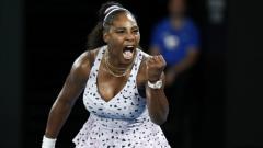 Indosport - Serena Williams berhasil melaju ke babak 8 besar turnamen tenis WTA Lexington Challenger usai berhasil mengandaskan perlawanan saudarinya, Venus Williams.