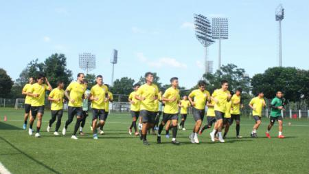 PSS Sleman langsung menghadapi duel berat di laga perdana Liga 1 2020 melawan PSM Makassar di Stadion Andi Matalatta. - INDOSPORT