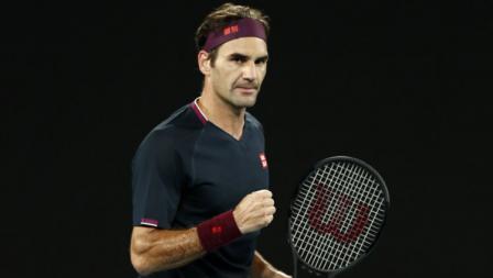 Roger Federer mengalahkan John Millman di babak ketiga Australia Terbuka 2020.