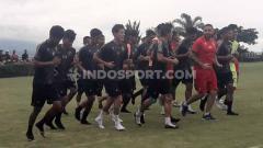 Indosport - Tim Arema FC saat menjalani latihan jelang Liga 1 2020.
