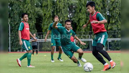 Pemain klub Liga 1 Persebaya saat pemusatan latihan di Jogjakarta. - INDOSPORT