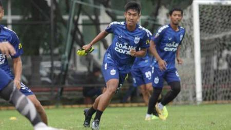 Aqsha saat berlatih bersama PSIS jelang Liga 1. - INDOSPORT