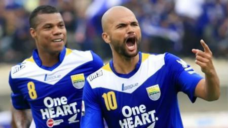 Hilton Moreira dan Sergio van Dijk saat berseragam klub Liga 1, Persib Bandung. - INDOSPORT