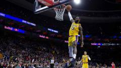 Indosport - LeBron James, pemain megabintang NBA dari tim LA Lakers.