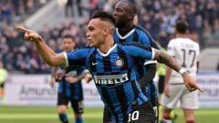 Indosport - Barcelona bisa dapatkan jasa Lautaro Martinez dengan cara manfaatkan Manchester United.
