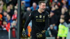 Indosport - Adrian dalam laga piala FA antara Shrewsbury Town vs Liverpool.