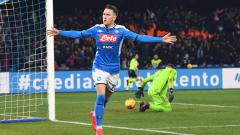 Indosport - Piotr Zielinski berselebrasi usai mencetak gol di laga Serie A Italia antara Napoli vs Juventus