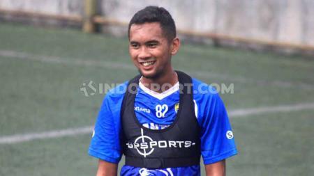 Pemain anyar Persib Bandung, Beni Oktovianto, tak ingin minder meski hanya dari jebolan Liga 2. - INDOSPORT