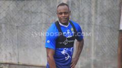 Indosport - Pemain belakang Persib Bandung, Victor Igbonefo.