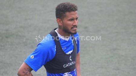 Striker Persib Bandung asal Brasil, Wander Luiz, menjadi pemain pertama di kompetisi Liga 1 2020 yang positif terjangkit virus corona. - INDOSPORT
