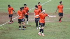 Indosport - Klub Liga 1 Persija Jakarta memperpanjang masa libur di tengah semakin mewabahnya virus Covid-19 atau Corona.