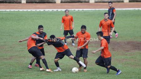 Latihan tim Liga 1, Persija Jakarta di Lapangan Soemantri Brodjonegoro, Kuningan, Senin (27/01/20). - INDOSPORT