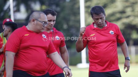 Pelatih anyar Persija Jakarta, Sergio Farias membantah bahwa Oswaldo Lessa masuk sebagai asisten pelatih. - INDOSPORT